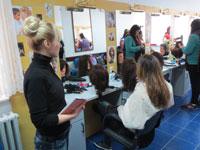 Praktična nastava u školskom frizerskom salonu